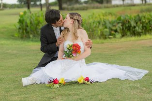 wedding-kiss